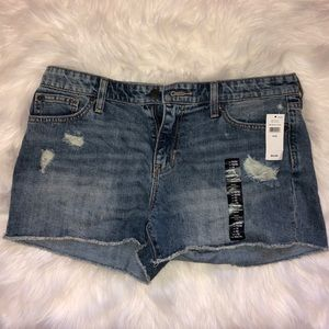 "GAP ""Sexy Boyfriend Short"" denim/jean shorts"